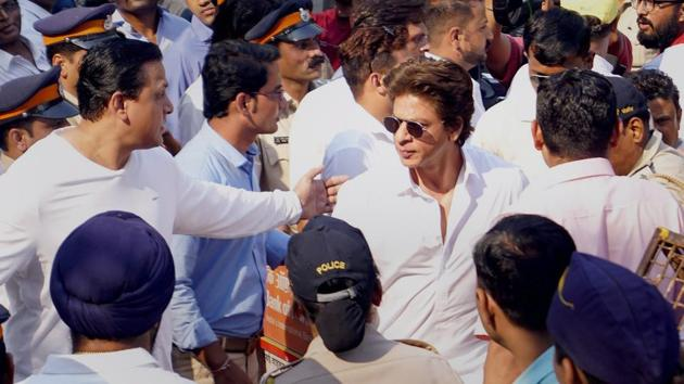 Shah Rukh Khan at the funeral of Sridevi at Seva Samaj Crematorium in Mumbai on Wednesday.(PTI)
