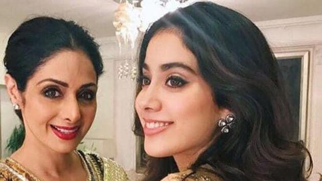 Janhvi Kapoor with her mother Sridevi in happier times.(Sridevi.kapoor/Instagram)