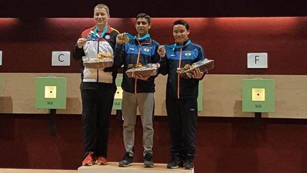Shahzar Rizvi won the gold in the 10m air pistol event, with Jitu Rai winning the bronze, while Mehuli Ghosh won the bronze in women's 10m air rifle.(Twitter/OGQ_India)