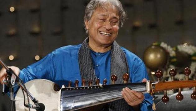 Sarod maestro Amjad Ali Khan, who will perform in Cairo and Alexandria.(Twitter.com)
