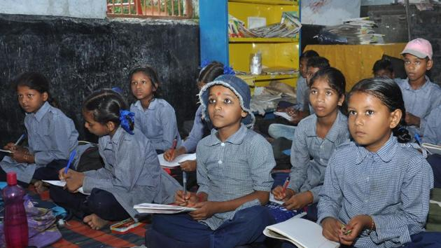 One of the key decisions of state school education minister Arvind Pandey is to merge schools with less than 10 students with an objective to provide better facilities and teachers for the students.(HT Photo)