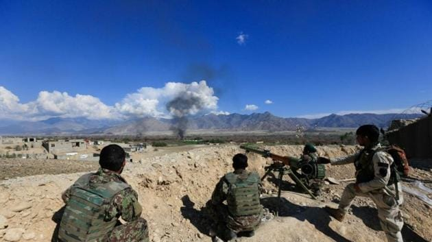 Afghan security forces take position during a gun battle between Taliban and Afghan security forces in Laghman province, Afghanistan.(Reuters File Photo)