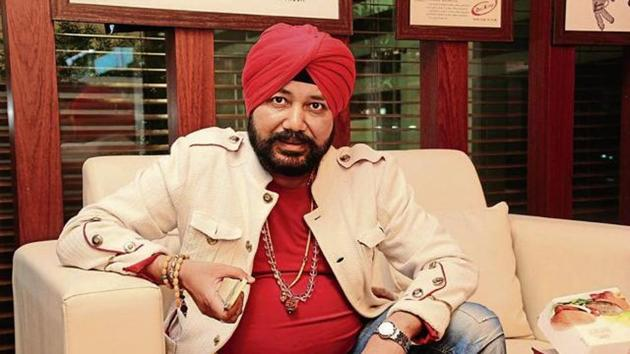 Daler Mehndi and his brother Shamsher Singh have been found guilty of illegally sending people abroad for money.(Shivam Saxena/HT File Photo)