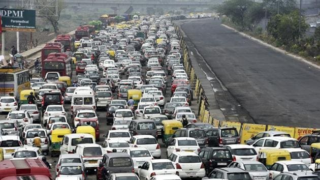 Delhi has 10 million vehicles that have cut the traffic speed by half.(HT File Photo)