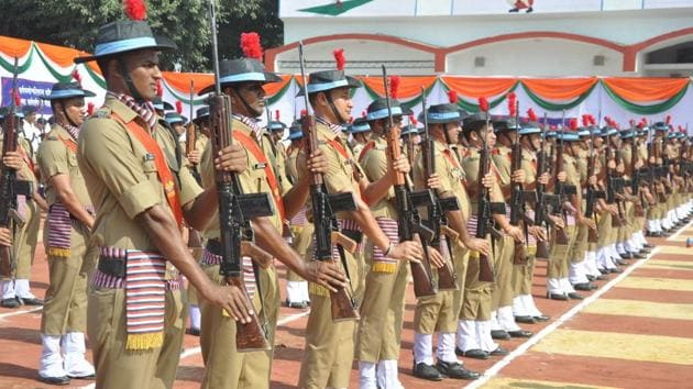 Only 39% geographical area of Uttarakhand is under regular police at present. The high court has asked the state government to extend it across the state within six months.(HT File)