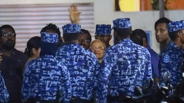 Policemen arrest former Maldives president and opposition leader Maumoon Abdul Gayoom, centre, after the government declared a 15-day state of emergency in Male, Maldives, in Feb, 2018.(AP File Photo)