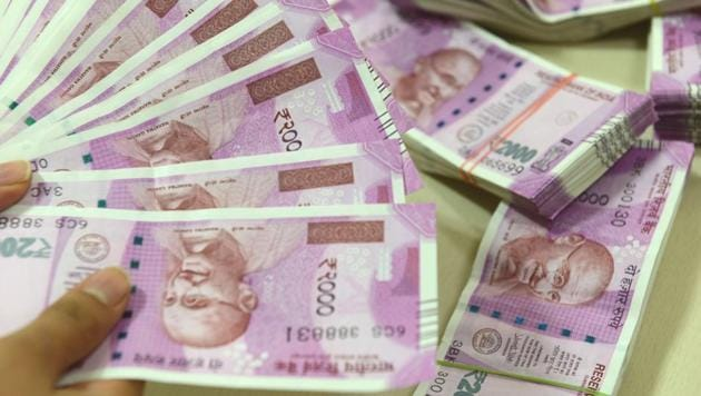 The new Rs 2,000 and Rs 500 banknotes were introduced in November 2016 after the Modi government demonetised Rs 1,000 and Rs 500 banknotes that were in circulation at the time.(Mint File Photo)