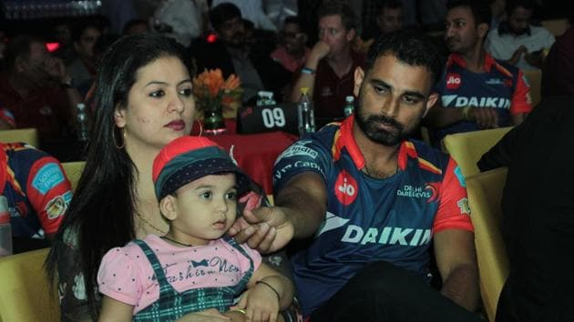 Hasin Jahan has alleged domestic violence on Mohammed Shami and charges of rape on his brother while she has also claimed that the Indian pacer took money from a Pakistani woman named Alishba.(Hindustan Times)