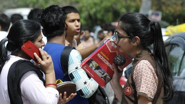 Students of Class 12 appeared for the CBSE economics examination in Noida on Monday.(Sunil Ghosh / Hindustan Times)