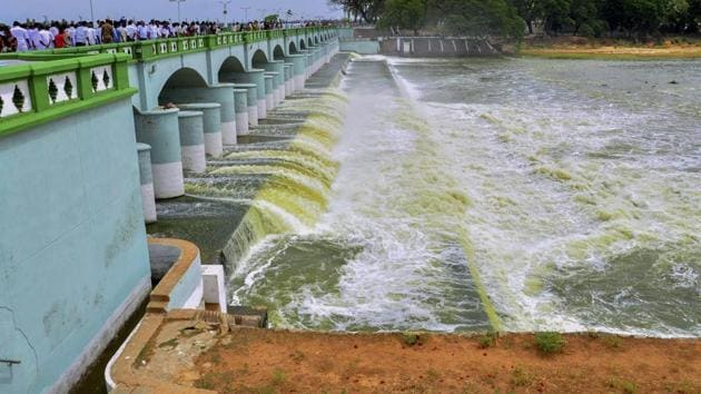 Cauvery river flowing in to Kallanai Dam in Tiruchirapalli district of Tamil Nadu. The Supreme Court increased Karnataka's share of water and directed the state to release 177.25 tmc to Tamil Nadu on February 16.(PTI file photo)