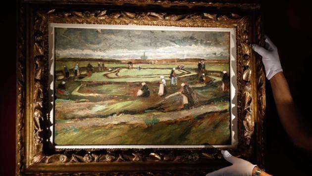 The painting Raccommodeuses de filet dans les dunes by Dutch painter Vincent van Gogh.(AFP)
