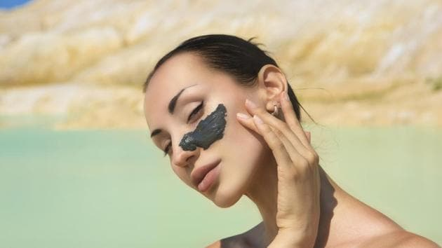The Dead Sea, the lowest point of earth, is full of black mud which could be easily spread on the body, soothing the skin with its healthy ingredients.(Shutterstock)