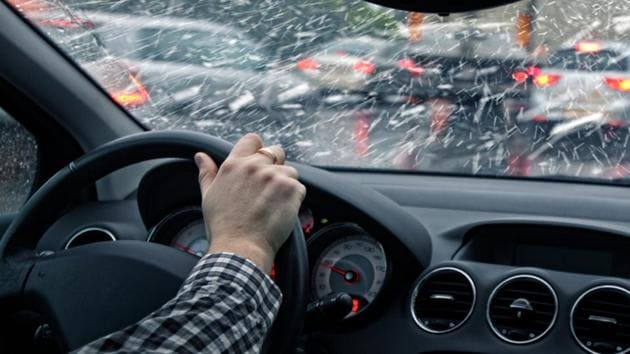 During the experimental drives, the researchers exposed the teens to different crash scenarios like a rear-end collision or a hidden hazard, for instance--avoidable if they drive safely.(Shutterstock)