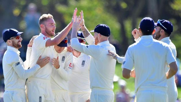 Stuart Broad took six wickets to give England the lead against New Zealand in Christchurch as the visitors aimed to break their losing streak.(AFP)