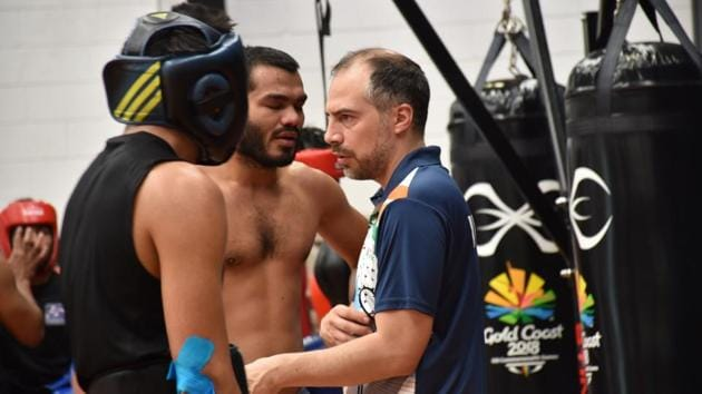 Indian boxing men's team coach Santiago Nieva (right) is facing the heat for the needle incident at Commonwealth Games 2018.(Facebook)