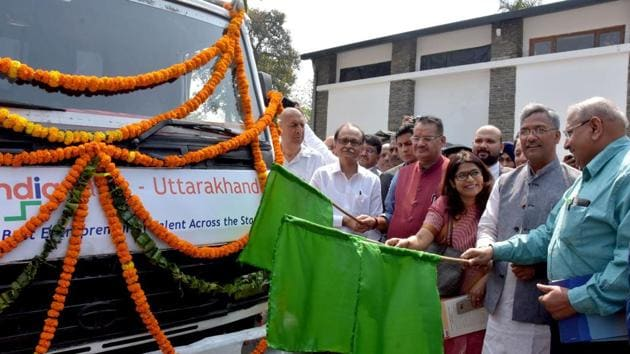 Chief minister Trivendra Singh Rawat flags off 'Uttarakhand Startup Yatra' at his official residence in Dehradun on Monday.(HT Photo)