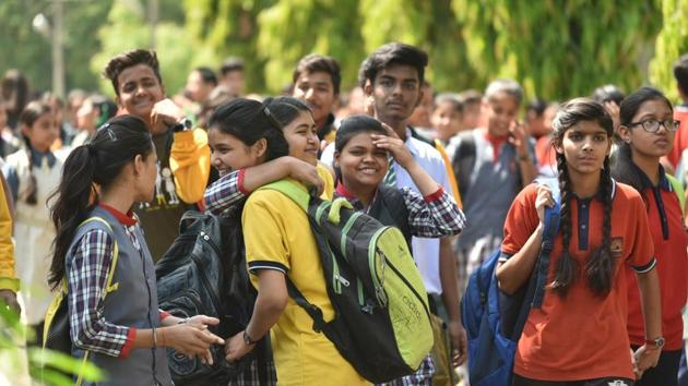 Students seen outside Jawaharlal Nehru school after appearing in Class 10 maths exam in Bhopal on March 28.(Mujeeb Faruqui/HT file)