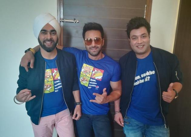 Actor Manjot Singh, Pulkit Samrata and Varun Sharma in Lucknow.(HT Photo)