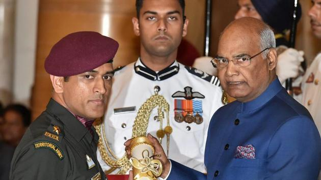 President Ram Nath Kovind confers Padma Bhushan to Indian cricketer M.S. Dhoni during the Padma Awards 2018 function at Rastrapati Bhawan in New Delhi on Monday.(PTI)