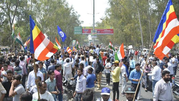 The protesters from Dalit organisations jammed the Ghaziabad-Hapur road till 1am and also blocked roads and held protests in other parts of the district in Ghaziabad, on April 2, 2018 during the Bharat Bandh.(Sakib Ali/HT Photo)