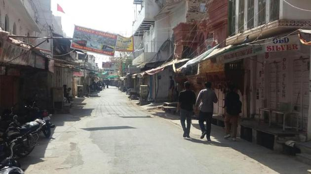 The closed shops after tension, at Pushkar on Wednesday(HT Photo)