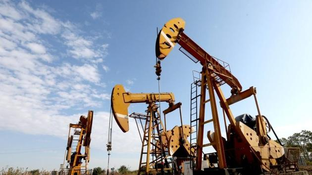 The new field dwarfs the Bahrain Field, the country's only other oil field, which contains several hundred million barrels.(REUTERS)