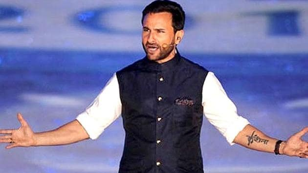 Saif looking dapper in a white pajama-kurta and bandgala at the opening ceremony of IPL season 8 in Kolkata.