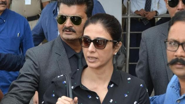 Tabu arrives at the airport in Jodhpur on April 4, 2018 ahead of a verdict in the long-running blackbuck poaching case.(AFP)