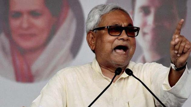 More than 1.29 lakh people have been arrested for violating the liquor prohibition imposed by the Janata Dal-United government led by chief minister Nitish Kumar in Bihar nearly two years ago.(HT File Photo)