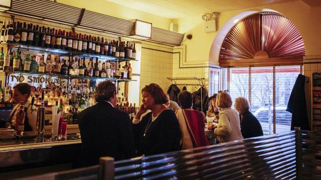 The Upper West Side's Café Luxembourg.(Photographer: Stephanie Nortiz/B)