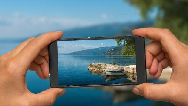 Here's how you can manage photos on your phone.(Shutterstock)