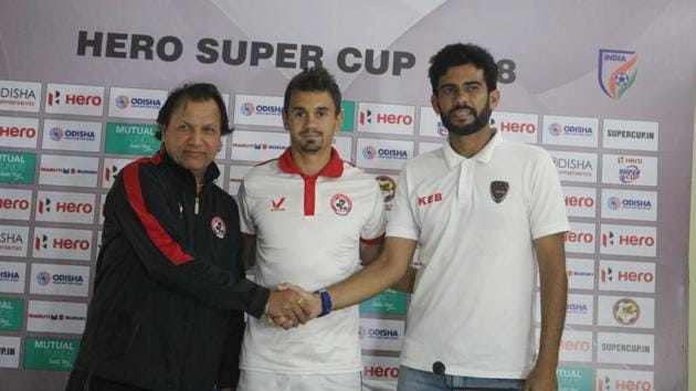 Santosh Kashyap, Aizawl FC coach will be looking to get one over Khalid Jamil, East Bengal, coach.(AIFF)