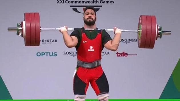 Vikas Thakur won the men's 94kg bronze medal in weightlifting at the 2018 Commonwealth Games in Gold Coast on Sunday.(Twitter)