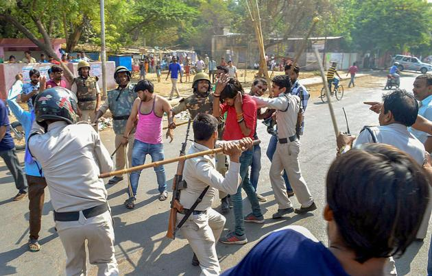 Police lathicharge protestors during the nationwide Bharat Bandh called by Dalit groups on April 2.(PTI/File Photo)