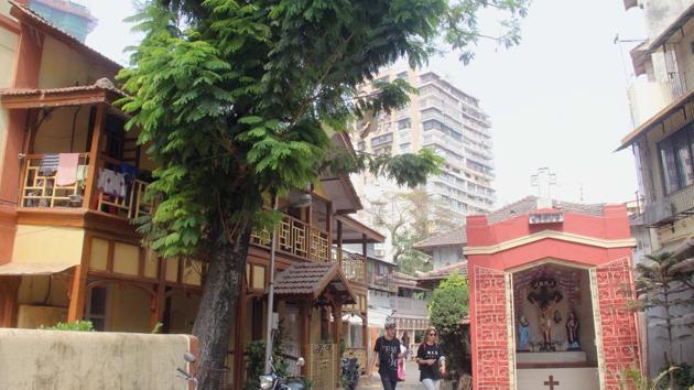 Khotachiwadi in Girgaum is 150-year-old with 25 Colonial-era bungalows.(Bhushan Koyande/HT)