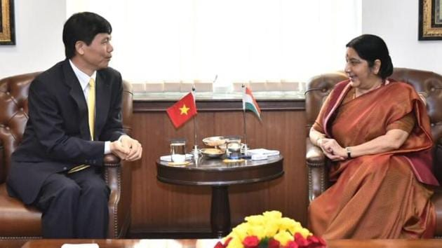 Vietnam's vice foreign minister Dang Dinh Quy with external affairs minister Sushma Swaraj in New Delhi on Tuesday.(MEA Twitter)