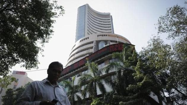 Traders are cautious ahead of the earnings season beginning Friday with Infosys, and as the US Federal Reserve will release minutes of its 20-21 March meeting on Wednesday.(Reuters File Photo)