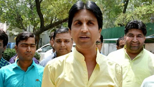 The Aam Aadmi Party (AAP) on Wednesday removed Kumar Vishwas as the in charge of its unit in Rajasthan, replacing him with Deepak Bajpai.(PTI)