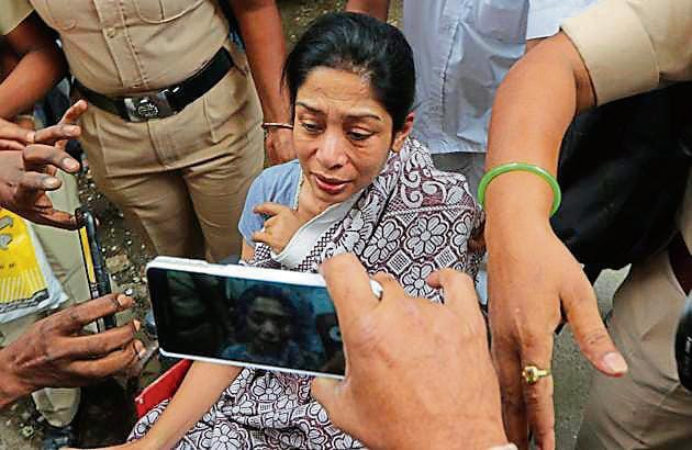 Indrani Mukerjea after being discharged from JJ Hospital in Mumbai.(HT Photo)