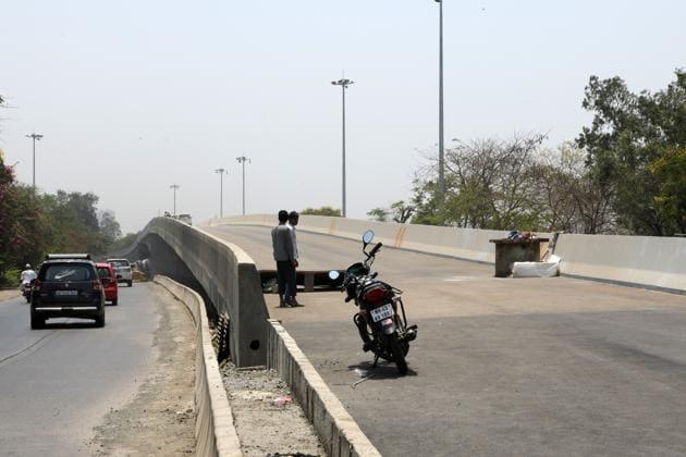 Thane-Belapur Road flyover at Turbhe in Navi Mumbai.(Bachchan Kumar/HT)