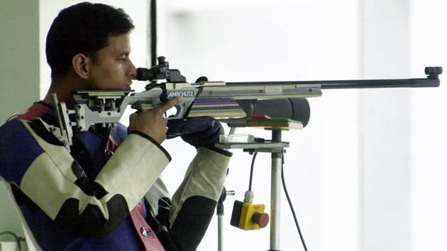 Sanjeev Rajput won his maiden Commonwealth Games shooting gold medal on Saturday, finishing first in the final of the men's 50m rifle 3 positions event of the 2018 Commonwealth Games.(Twitter)