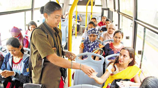 On International Women's Day 2018, Pune Mahanagar Parivahan Mahamandal Limited (PMPML) introduced 30 midi 'Tejaswini' buses exclusively for women, which runs on eight selected routes.(HT PHOTO)