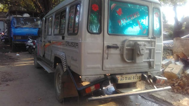 The SUV from which the Assam Rifles seized 100000 tablets of the banned drug World is Yours (WY) from a resident of Assam.(HT PHOTO)