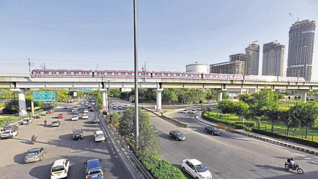 The authority is planning to integrate the Noida and Yamuna expressways.(Virendra Singh Gosain/HT PHOTO)