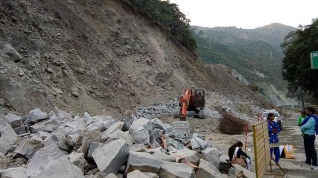 The NGT has stayed the cutting of trees along the Chardham yatra route.(HT)
