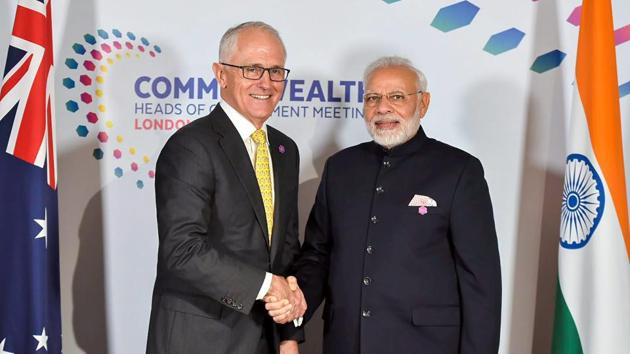 Prime Minister Narendra Modi with his Australian counterpart Malcolm Turnbull, at a meeting on the sidelines of CHOGM 2018, in London on Thursday.(PTI photo)