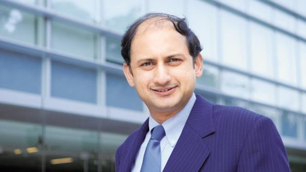 At the April 4-5 policy meeting, Deputy Governor Viral Acharya said there was a revival in investment activity and an improvement in capacity utilisation, which boded well for the economy.(Hemant Mishra/Mint)