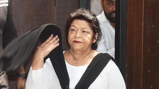 <p>In a controversial statement, Bollywood choreographer Saroj Khan has defended casting couch in the industry and also said that women can avoid assault if...