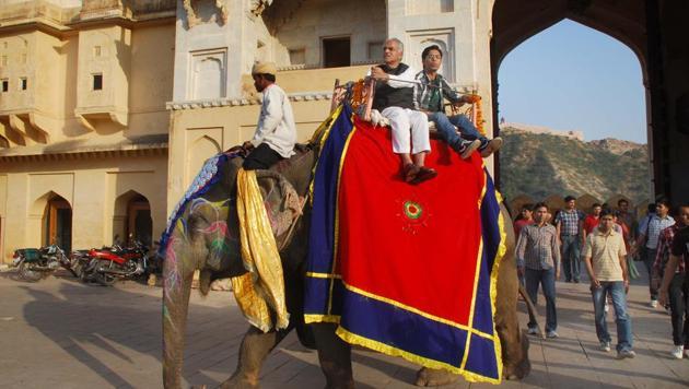 Elephant safari at Amer Fort in Jaipur.(HT File Photo)
