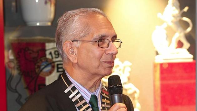 Veteran Liverpool-based Indian doctor Shiv Pande, who has been honoured with an MBE, held senior positions in Britain's medical bodies, raised funds for victims of the Bhopal gas disaster and organised cricket coaching by India's World Cup-winning cricketers in 1984 for Liverpool's unemployed youngsters.(HT Photo)
